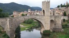 puente-Besalu-1-610x343